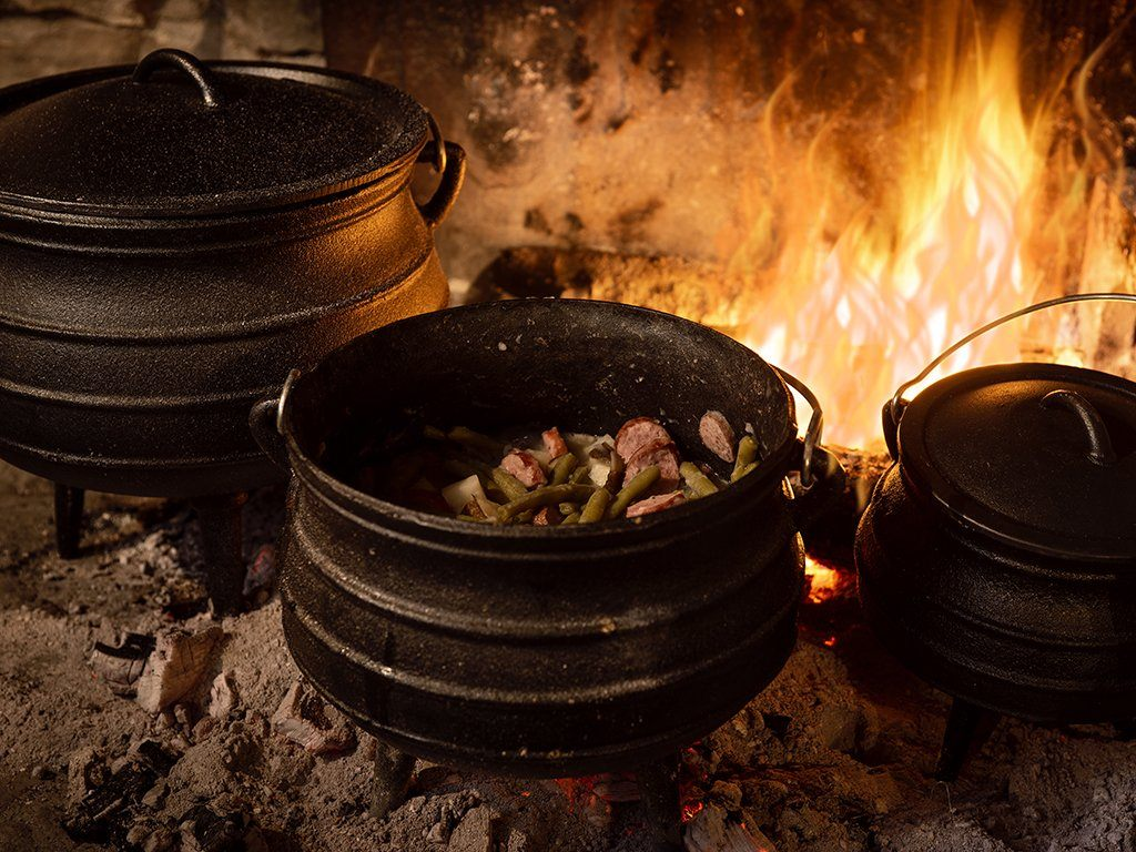 Cast Iron Cook Pots - Samson Historical
