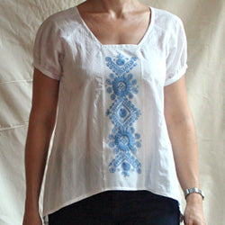 Stitching tip: embroidering on a light-weight Róza blouse