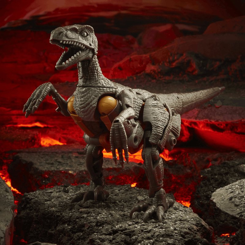 Transformers Generations War for Cybertron: Voyager Class Dinobot