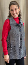 Load image into Gallery viewer, Diagonal Stitch Pocket Vest