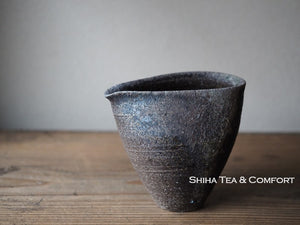 SUZU SHINOHARA Wood Fired Black Pitcher  珠洲篠原敬1