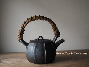 MOTOZO Red & Black Cloth Texture Teapot Unglazed 素三提梁壺