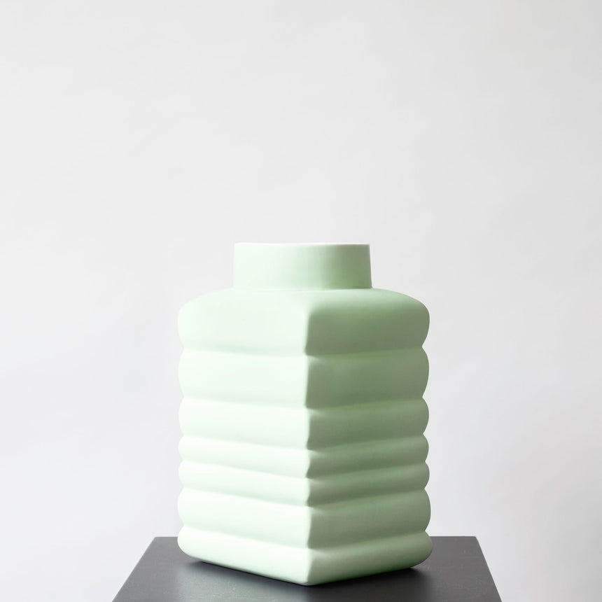 BOUNCING VASE LARGE CELADON MINT