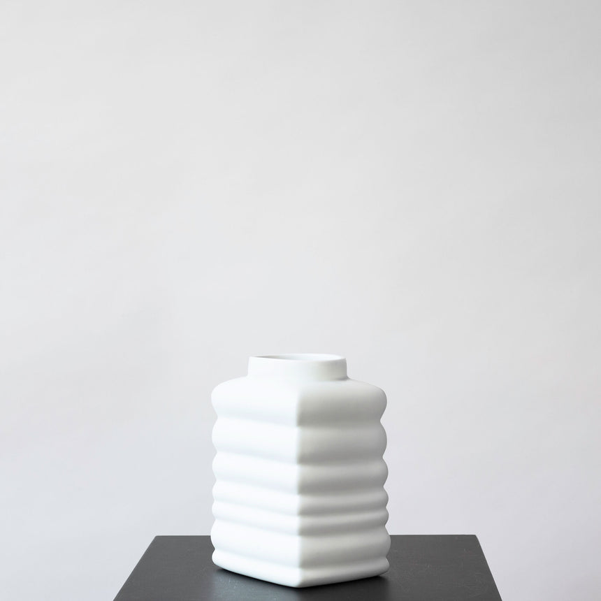 BOUNCING VASE MEDIUM WHITE