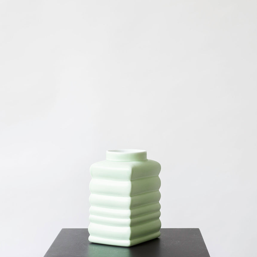BOUNCING VASE MEDIUM CELADON MINT
