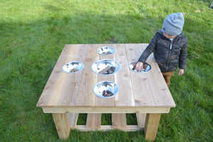 Outdoor Messy Activity Table With 5 Metal Bowls