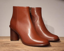 Load image into Gallery viewer, BOOTS AC ONITA - terracotta ///////////// sizes 37 / 39