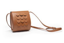 Load image into Gallery viewer, MINI SCALES BAG MD - light cognac