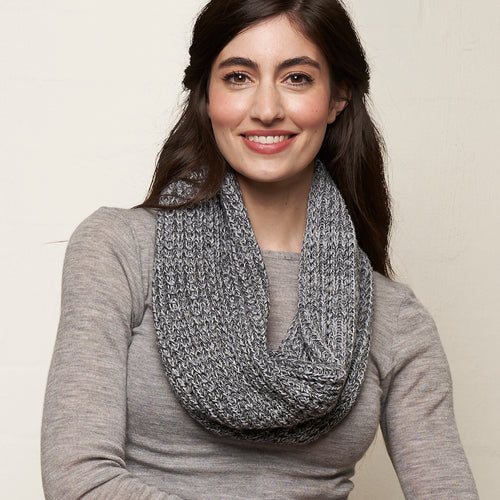 Knitted Loop Grey
