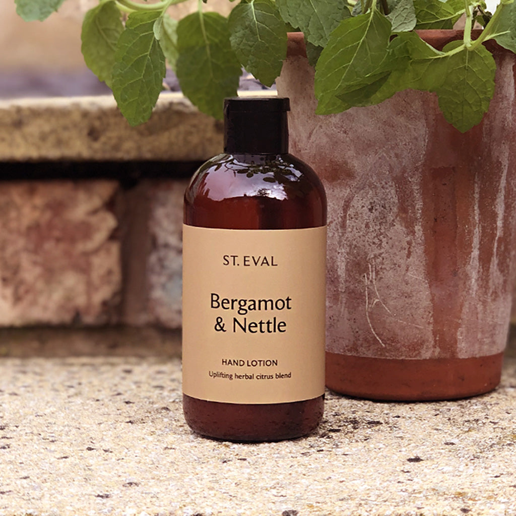 Enjoy the uplifting scent of Bergamot and Wild Nettle for a true sense of the great outdoors. This gorgeous St. Eval hand lotion combines natural plant extracts with a soft and delicate fragrance for the keen gardener in your life (or those who just want to smell it without the hard work!)