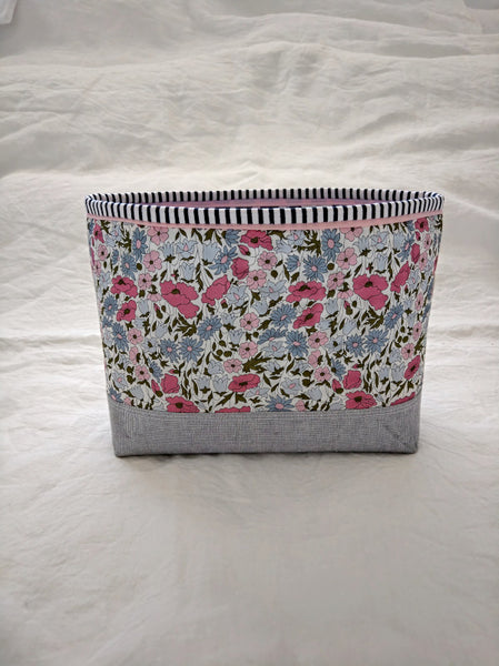 Lola Pouch - Poppy and Daisy