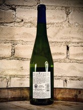"Load image into Gallery viewer, DOM. R DE LA GRANGE ""Le Gravier"" Muscadet Serve er Maine Sur Lie 2015"