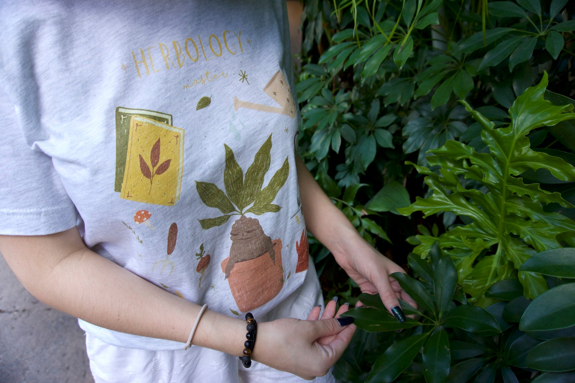 HERBOLOGY MASTER TEE