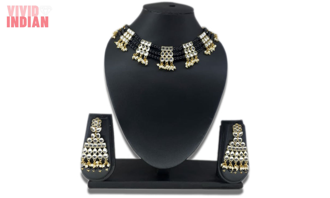 Black Beaded And Gems Motif Necklace Set
