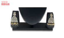 Load image into Gallery viewer, Black Beaded And Gems Motif Necklace Set