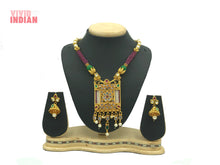 Load image into Gallery viewer, Faux Gems Adorned Pearl Tassels Necklace Set