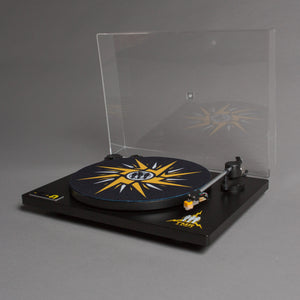 Turntable - Wide Shot