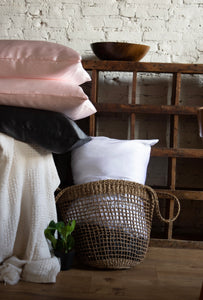 bounced. mulberry silk pillowcase - white