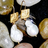 Simple natural special-shaped pearl high-grade earrings with 14K gold-plated European and American Fashion Earrings