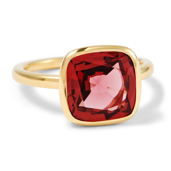 The Isabella (Cushion Cut Rhodolite Garnet in 18ct Gold)