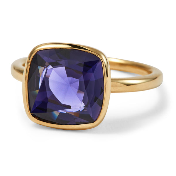 The Elizabeth (Cushion Cut Iolite in 18ct Gold)