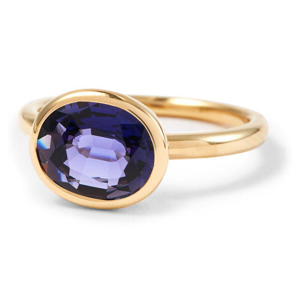 The Elizabeth (Oval Cut Iolite in 18ct Gold)