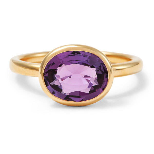 The Eva (Oval Cut Amethyst in 18ct Gold)