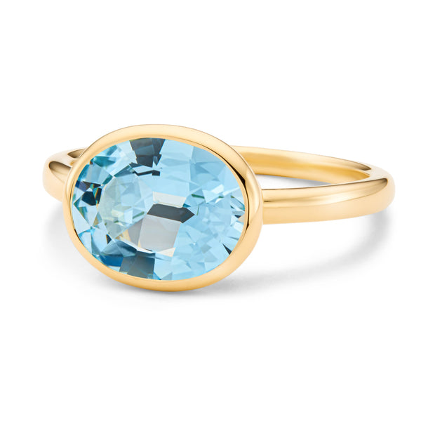 The Grace (Oval Cut Blue Topaz in 18ct Gold)