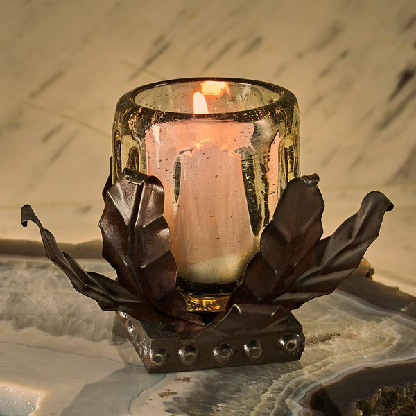 Thomasa Candle