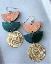 Load image into Gallery viewer, Forest Green Daybreak Earrings