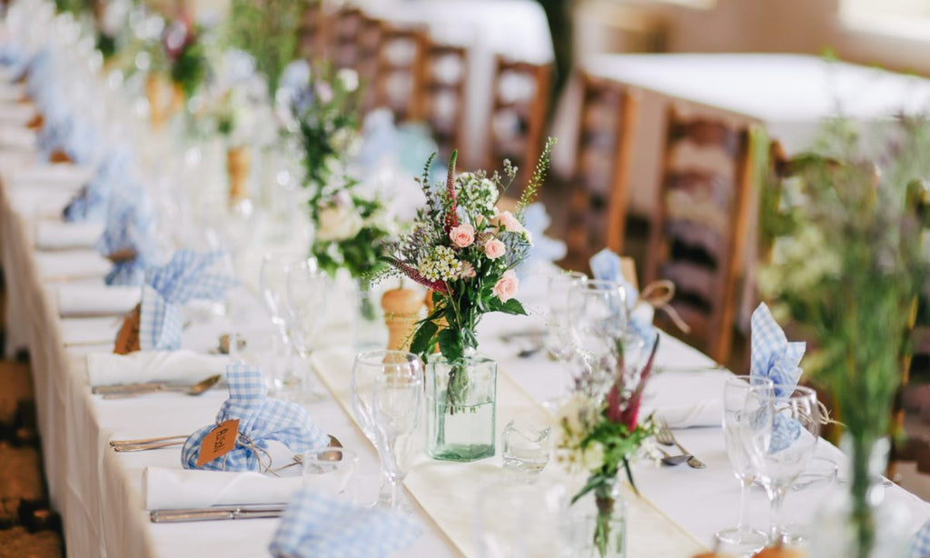 Tips to Choose the Right Table Runner Online