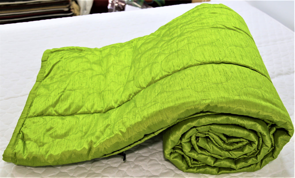 Plain(Green) PolySilk Quilt (90x100 Inch)-400 GSM