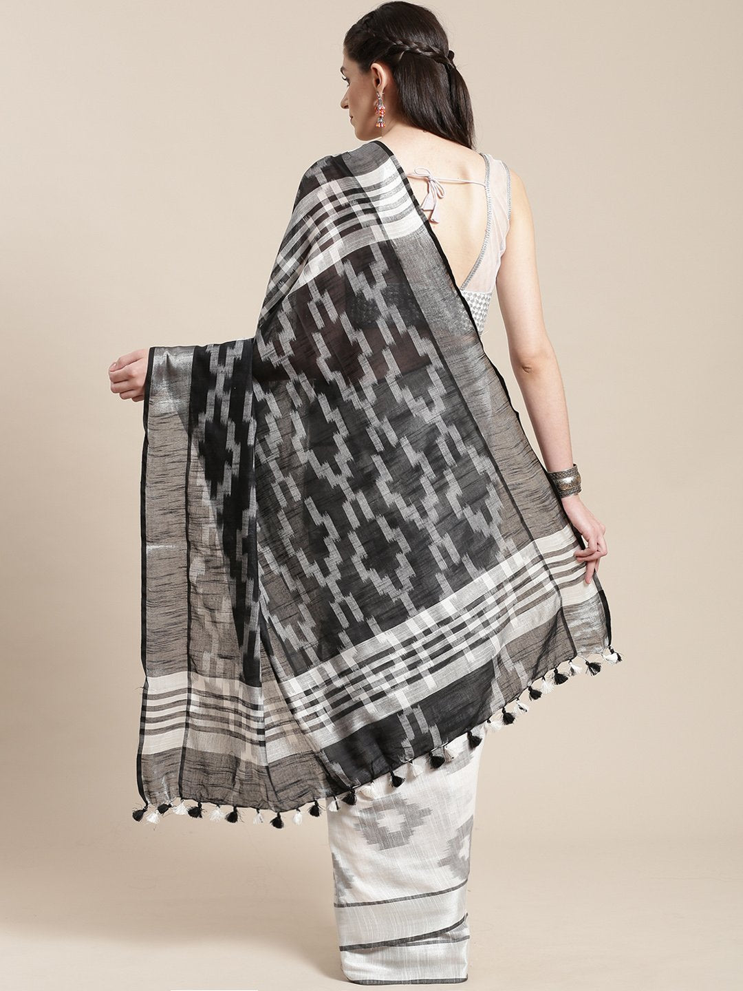 Linen Handwoven Saree and Blouse-Saree-Kalakari India-ALBGSA0036-Hand Woven, Linen, Sarees, Sustainable Fabrics, Traditional Weave-[Linen,Ethnic,wear,Fashionista,Handloom,Handicraft,Indigo,blockprint,block,print,Cotton,Chanderi,Blue, latest,classy,party,bollywood,trendy,summer,style,traditional,formal,elegant,unique,style,hand,block,print, dabu,booti,gift,present,glamorous,affordable,collectible,Sari,Saree,printed, holi, Diwali, birthday, anniversary, sustainable, organic, scarf, online, low pri