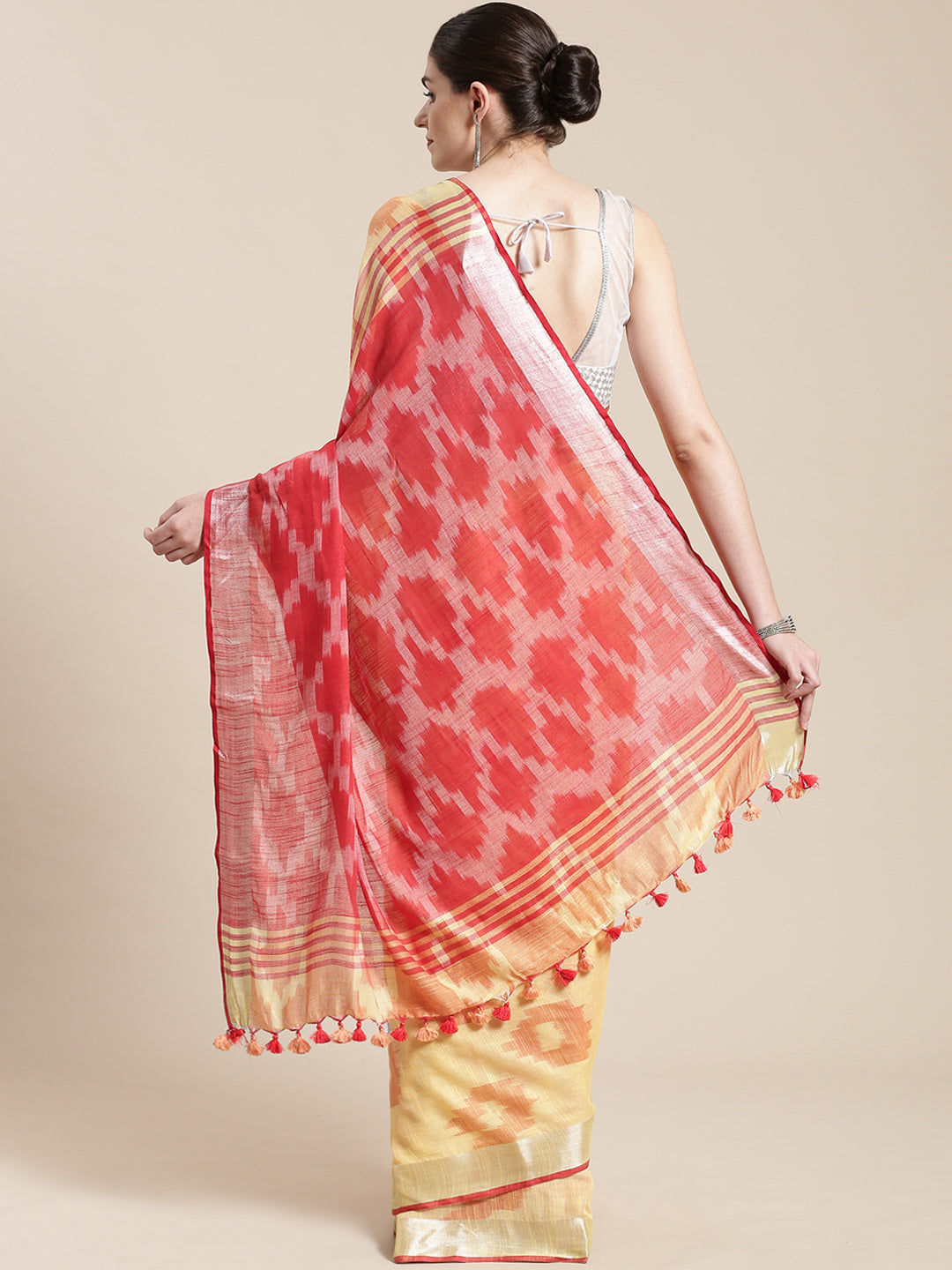Linen Handwoven Saree and Blouse-Saree-Kalakari India-ALBGSA0045-Hand Woven, Linen, Sarees, Sustainable Fabrics, Traditional Weave-[Linen,Ethnic,wear,Fashionista,Handloom,Handicraft,Indigo,blockprint,block,print,Cotton,Chanderi,Blue, latest,classy,party,bollywood,trendy,summer,style,traditional,formal,elegant,unique,style,hand,block,print, dabu,booti,gift,present,glamorous,affordable,collectible,Sari,Saree,printed, holi, Diwali, birthday, anniversary, sustainable, organic, scarf, online, low pri