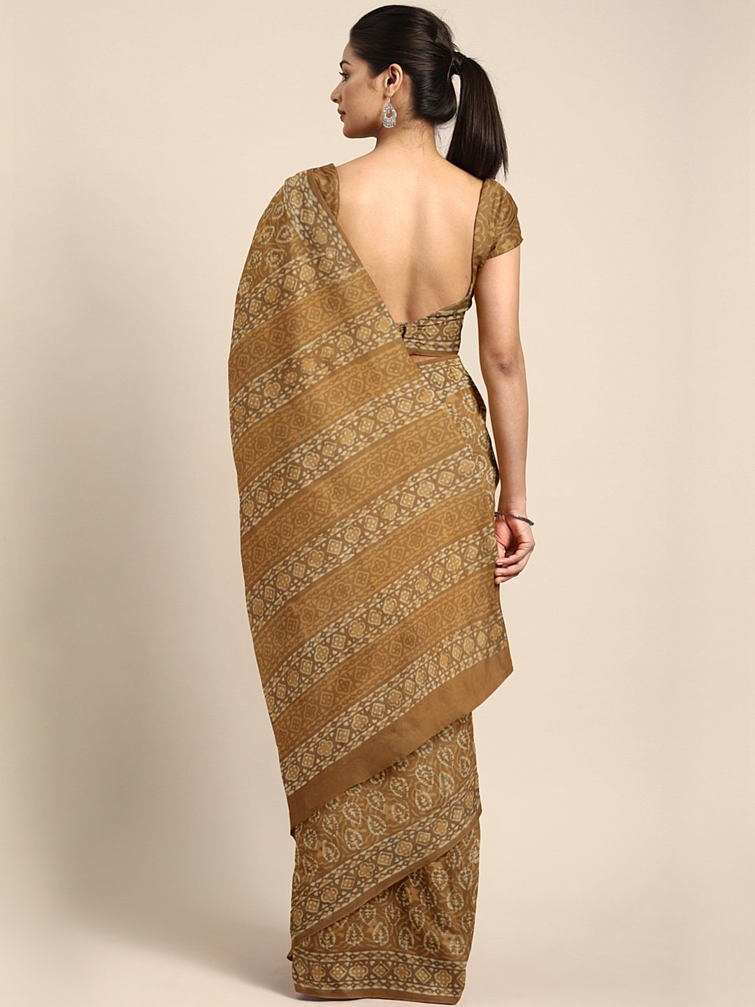 Brown Mud Resist Handblock Print Handcrafted Cotton Saree-Saree-Kalakari India-BHKPSA0035-Cotton, Dabu, Geographical Indication, Hand Blocks, Hand Crafted, Heritage Prints, Indigo, Natural Dyes, Sarees, Sustainable Fabrics-[Linen,Ethnic,wear,Fashionista,Handloom,Handicraft,Indigo,blockprint,block,print,Cotton,Chanderi,Blue, latest,classy,party,bollywood,trendy,summer,style,traditional,formal,elegant,unique,style,hand,block,print, dabu,booti,gift,present,glamorous,affordable,collectible,Sari,Sare