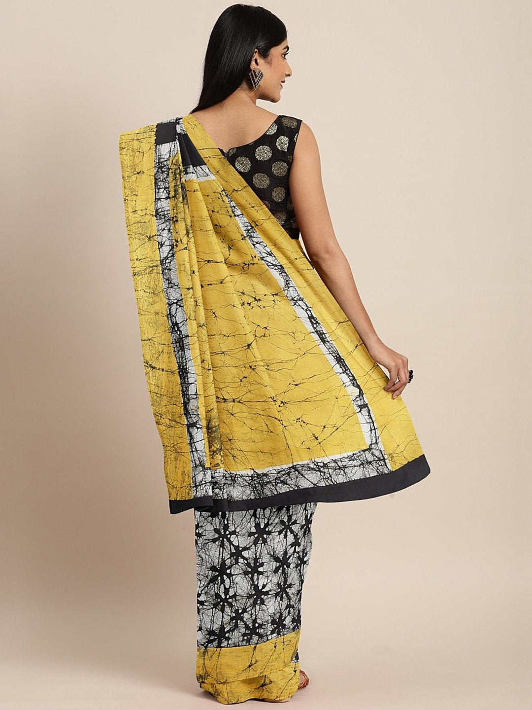 Off-White Black Handblock Print Bagru Saree-Saree-Kalakari India-BHKPSA0102-Cotton, Geographical Indication, Hand Blocks, Hand Crafted, Heritage Prints, Sarees, Shibori, Sustainable Fabrics-[Linen,Ethnic,wear,Fashionista,Handloom,Handicraft,Indigo,blockprint,block,print,Cotton,Chanderi,Blue, latest,classy,party,bollywood,trendy,summer,style,traditional,formal,elegant,unique,style,hand,block,print, dabu,booti,gift,present,glamorous,affordable,collectible,Sari,Saree,printed, holi, Diwali, birthday