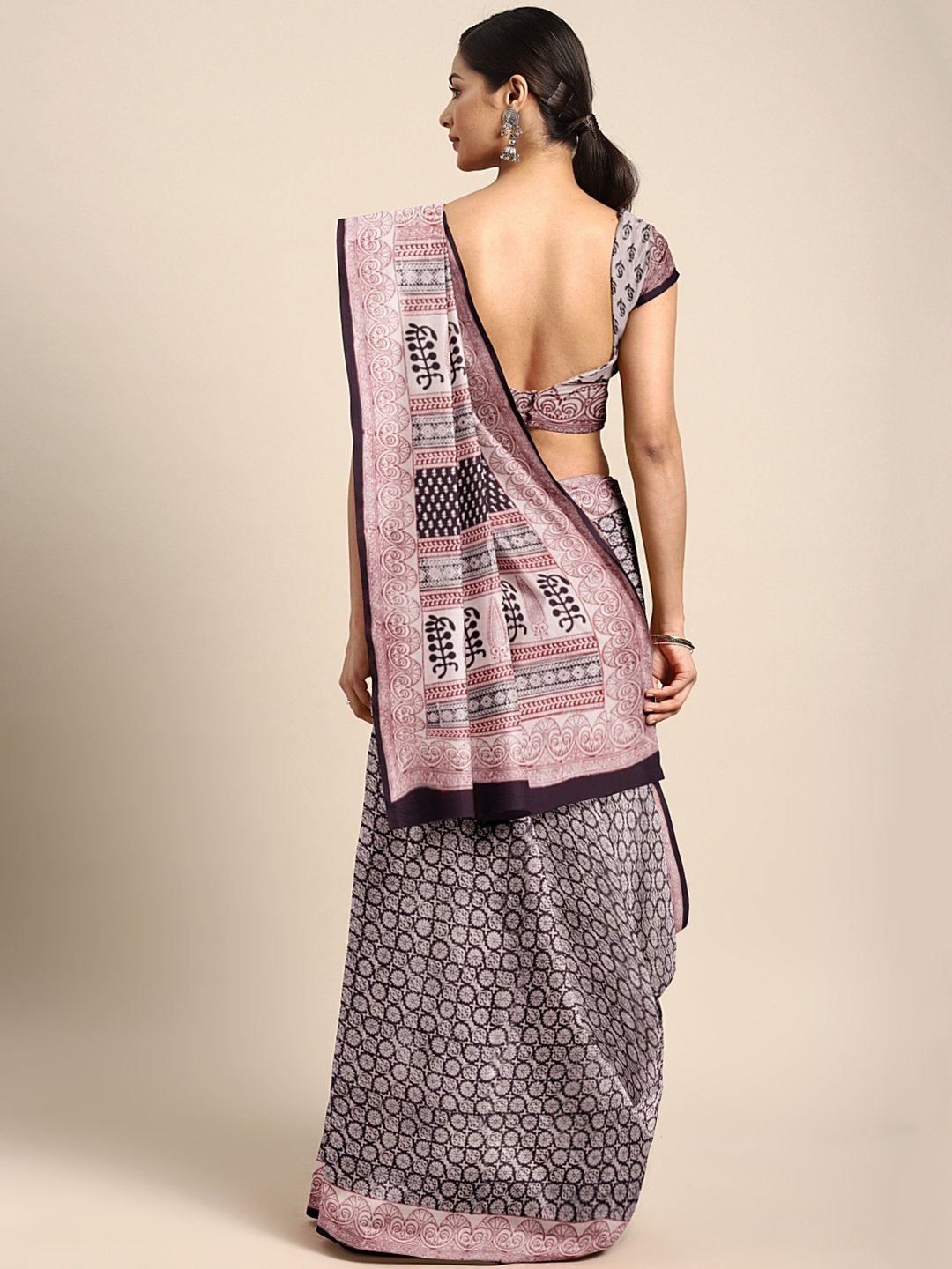 Black Off-White Handblock Print Bagh Saree-Saree-Kalakari India-MRBASA0024-Bagh, Cotton, Geographical Indication, Hand Blocks, Hand Crafted, Heritage Prints, Natural Dyes, Sarees, Sustainable Fabrics-[Linen,Ethnic,wear,Fashionista,Handloom,Handicraft,Indigo,blockprint,block,print,Cotton,Chanderi,Blue, latest,classy,party,bollywood,trendy,summer,style,traditional,formal,elegant,unique,style,hand,block,print, dabu,booti,gift,present,glamorous,affordable,collectible,Sari,Saree,printed, holi, Diwali