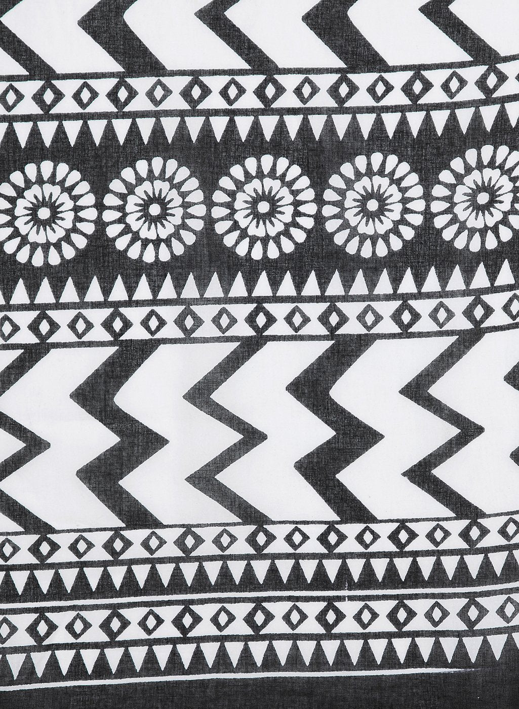 Black & White Screen Print Handcrafted Cotton Saree-Saree-Kalakari India-RDSNSA0142-Cotton, Geographical Indication, Hand Blocks, Hand Crafted, Heritage Prints, Sarees, Sustainable Fabrics-[Linen,Ethnic,wear,Fashionista,Handloom,Handicraft,Indigo,blockprint,block,print,Cotton,Chanderi,Blue, latest,classy,party,bollywood,trendy,summer,style,traditional,formal,elegant,unique,style,hand,block,print, dabu,booti,gift,present,glamorous,affordable,collectible,Sari,Saree,printed, holi, Diwali, birthday,