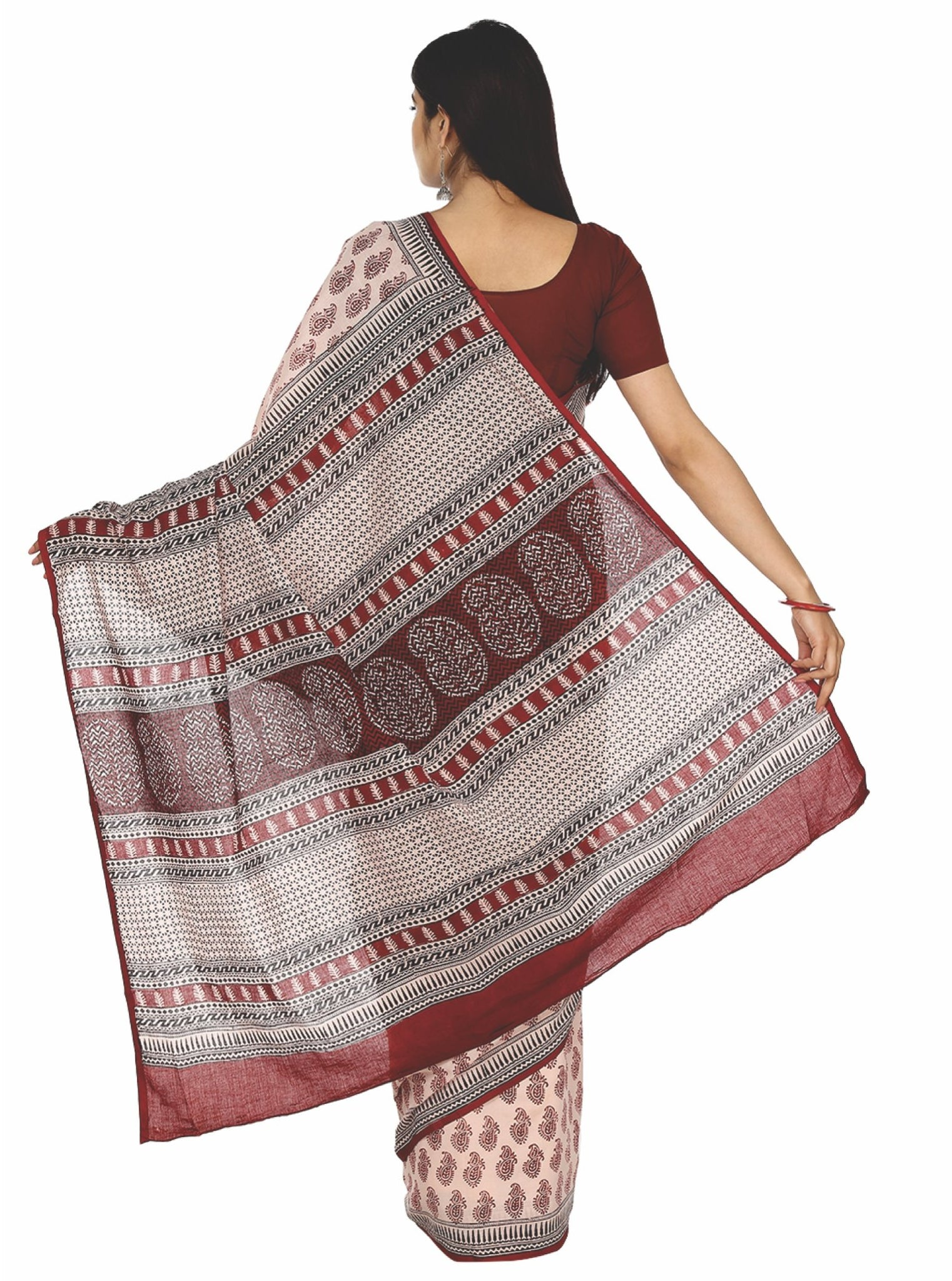 Off-White Cotton Handblock Bagh Print Handcrafted Saree-Saree-Kalakari India-ZIBASA0030-Bagh, Cotton, Geographical Indication, Hand Blocks, Hand Crafted, Heritage Prints, Natural Dyes, Sarees, Sustainable Fabrics-[Linen,Ethnic,wear,Fashionista,Handloom,Handicraft,Indigo,blockprint,block,print,Cotton,Chanderi,Blue, latest,classy,party,bollywood,trendy,summer,style,traditional,formal,elegant,unique,style,hand,block,print, dabu,booti,gift,present,glamorous,affordable,collectible,Sari,Saree,printed,