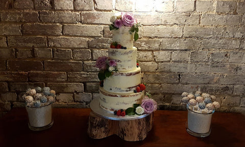 semi dressed wedding cake