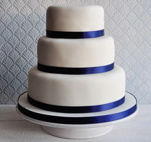 Load image into Gallery viewer, Decorate your own wedding cake