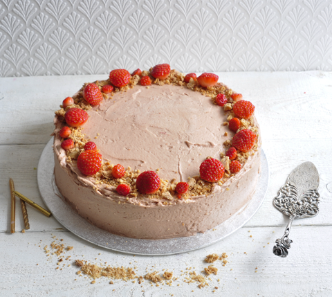 Champagne strawberry celebration cake