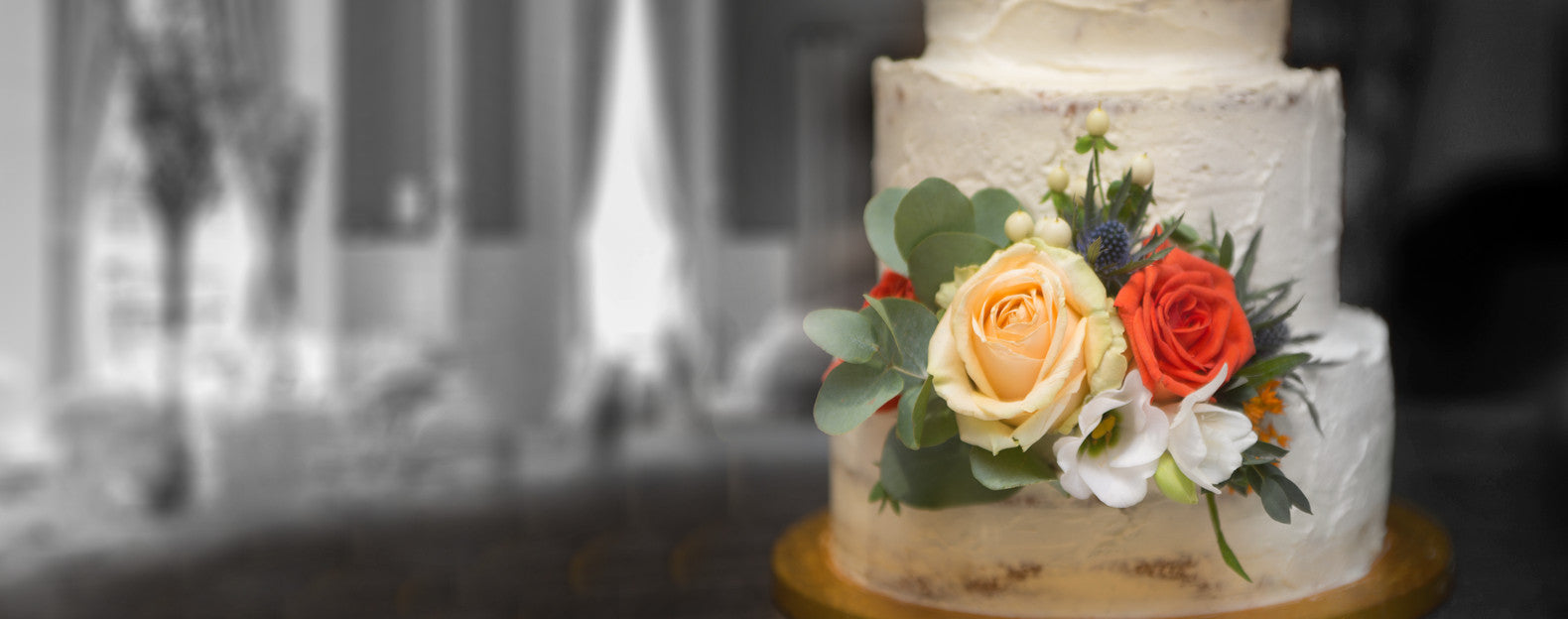 WE MAKE BEAUTIFUL AND DELICIOUS WEDDING CAKES
