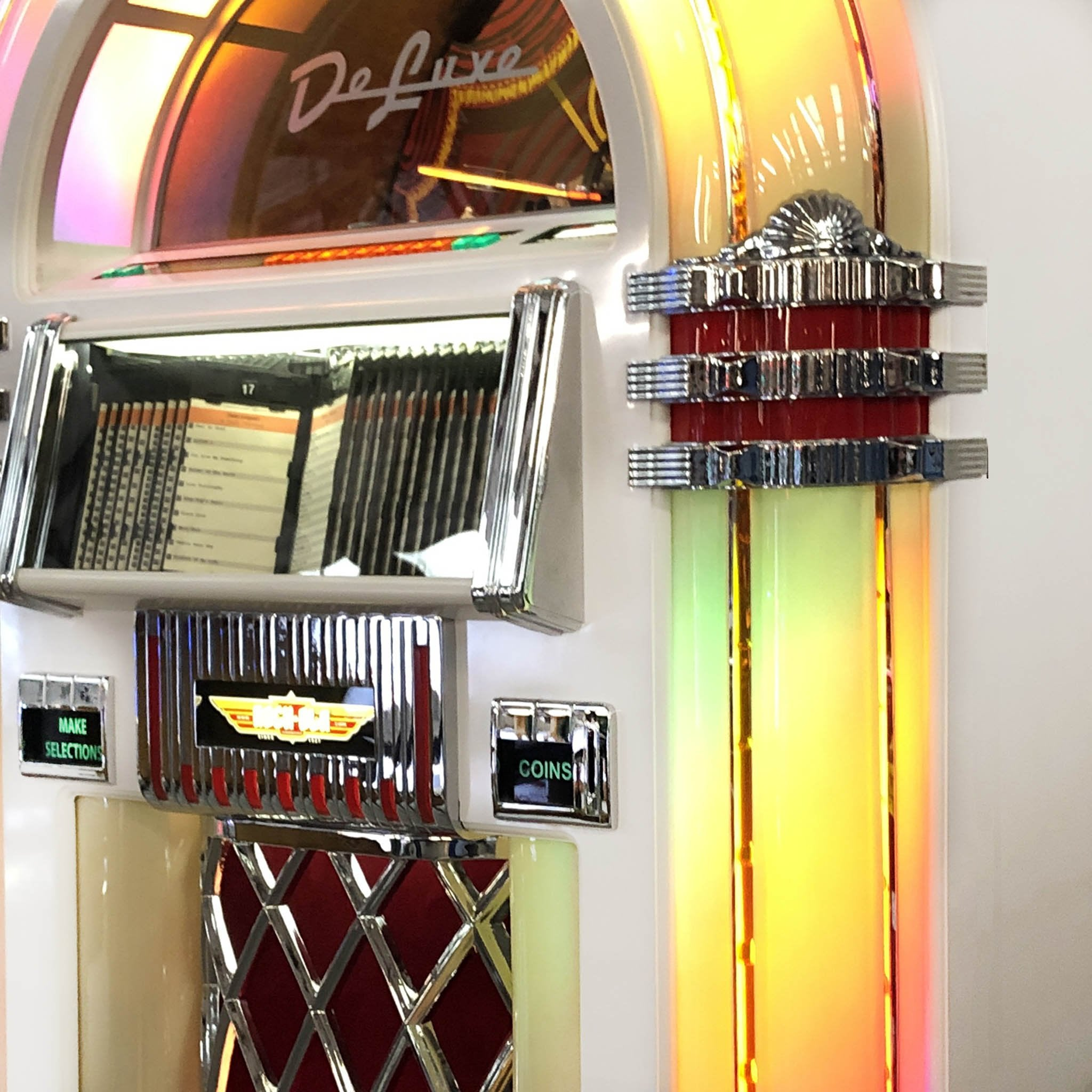 Rock-Ola Bubbler CD Jukebox in Gloss White