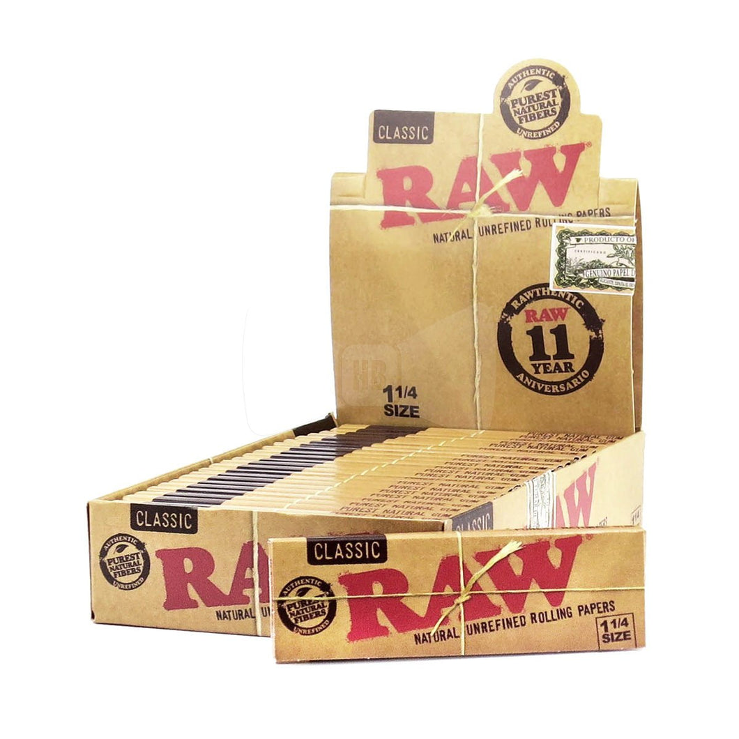 RAW Natural 1 1/4 Rolling Papers - Beyond Smoke