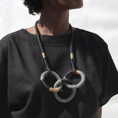 Dynamic Cirque necklace