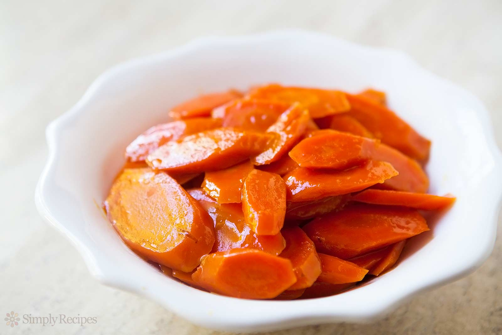 Veggies: Carrots (1 lb)