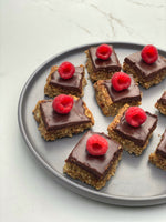 CHOCOLATE & ALMOND FLAPJACKS - PRAV DASS