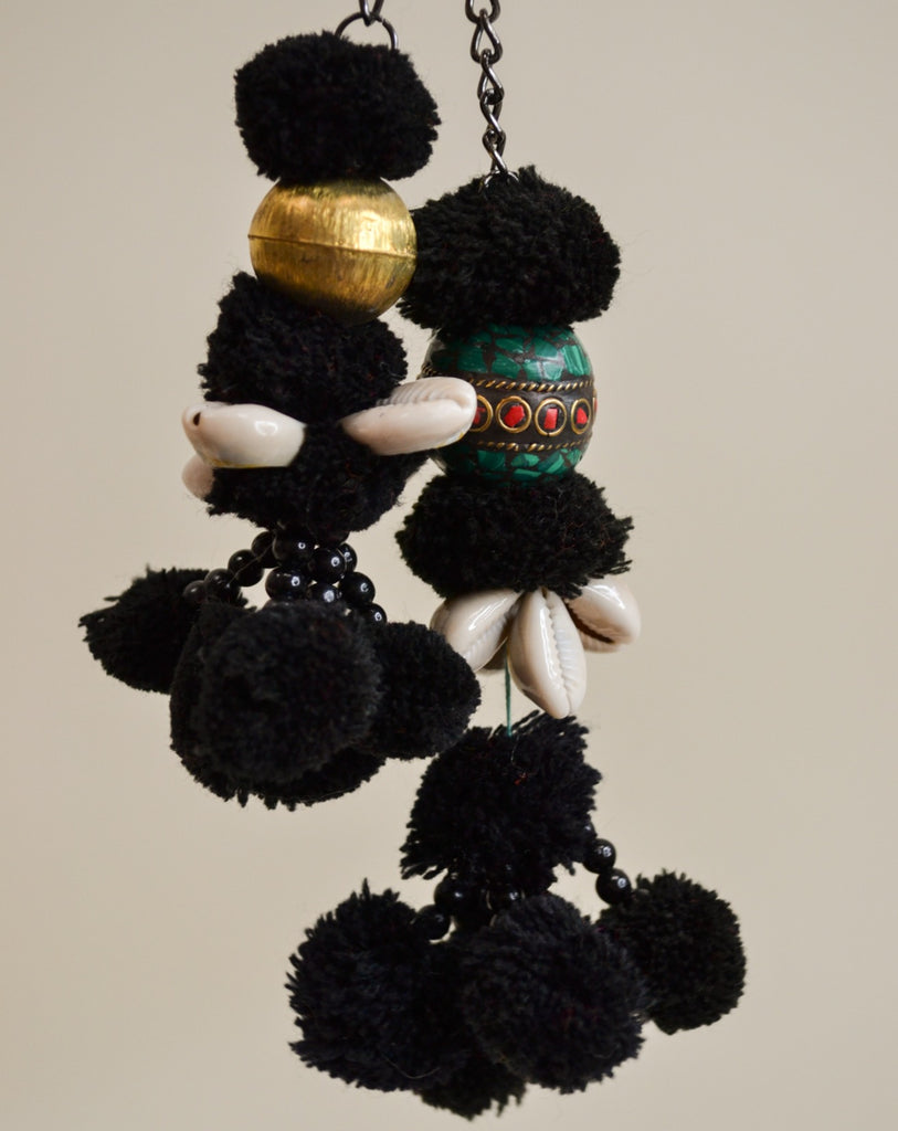 Black pompom *limited edition*