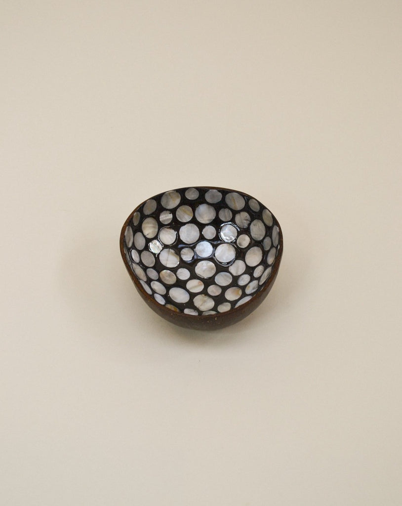 'Black pearl' coconut bowl